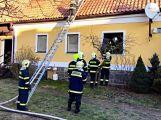 Právě teď: Hasiči zasahují u požáru domu ve Zvíroticích (PRŮBĚŽNĚ AKTUALIZOVÁNO) (1)