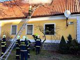 Právě teď: Hasiči zasahují u požáru domu ve Zvíroticích (PRŮBĚŽNĚ AKTUALIZOVÁNO) (14)