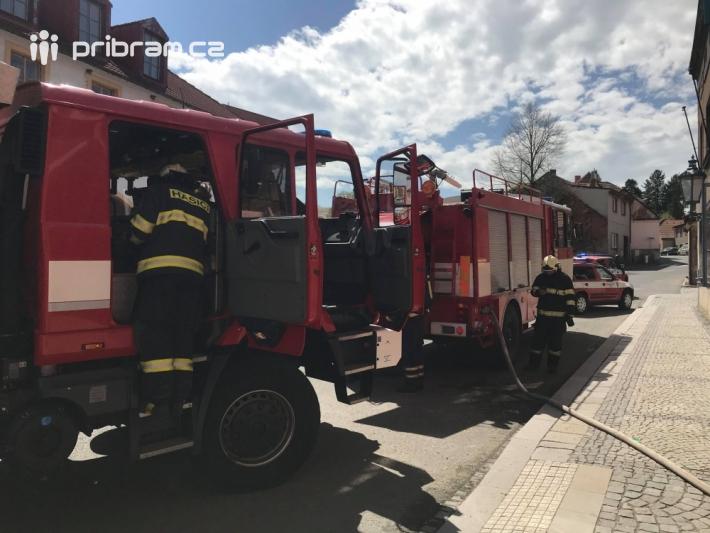 Několik hasičských jednotek zasahuje v těchto …