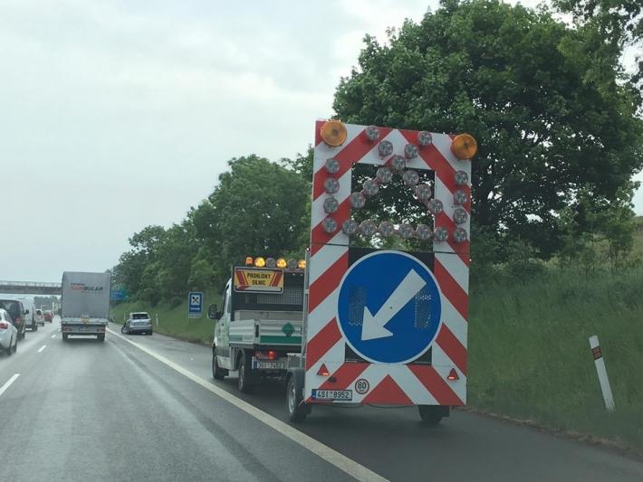 Aktualizace: 9:10 Dopravní nehoda na dálnici …