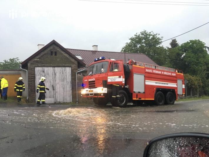 19:46 Kozičín: Ani v této obci nepřestává …
