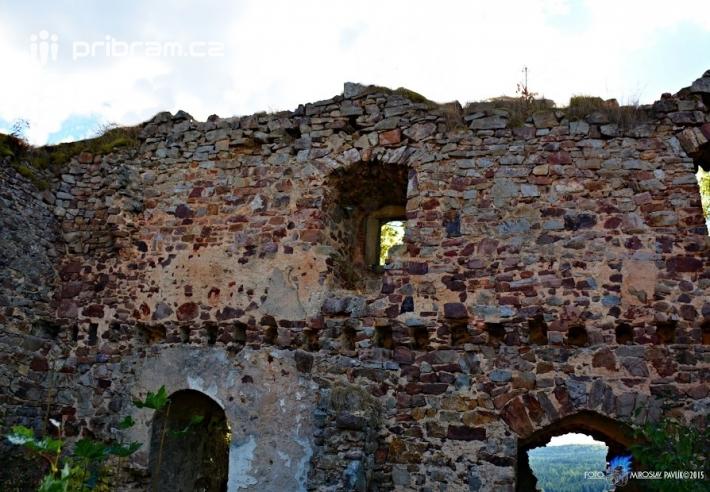 Hrad dal pravděpodobně postavit ve 13. století …