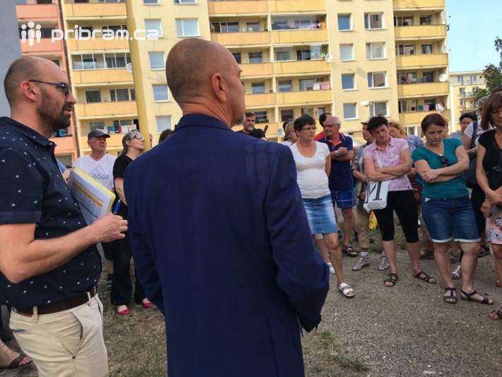 Setkání obyvatel Drkolnova končilo krátkými …