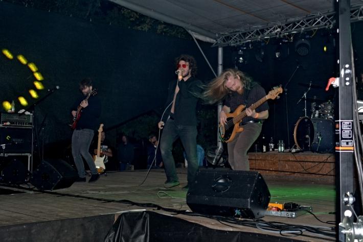 Rozehřátí rockeři se pak mohli dosyta vyřádit …