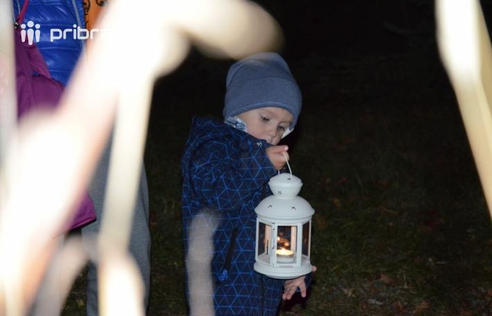 Včerejší halloweenský večírek přilákal do …