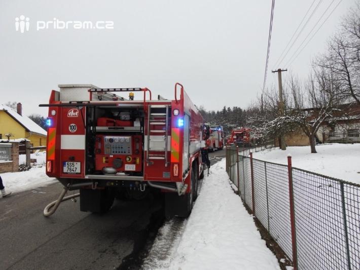 Sirény ohlásily příjezd několika hasičských …