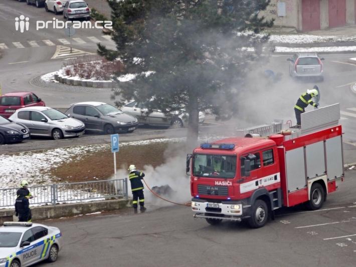 Příbramští hasiči v nedělní dopoledne …