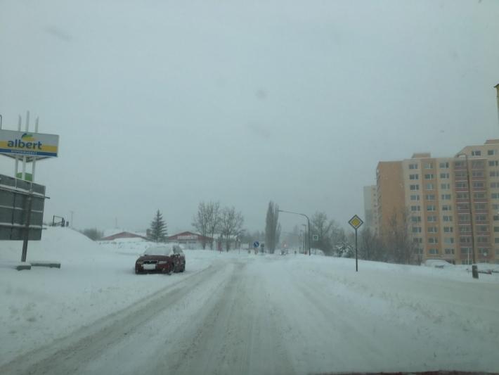 9:45 Brodská ulice v Příbrami.