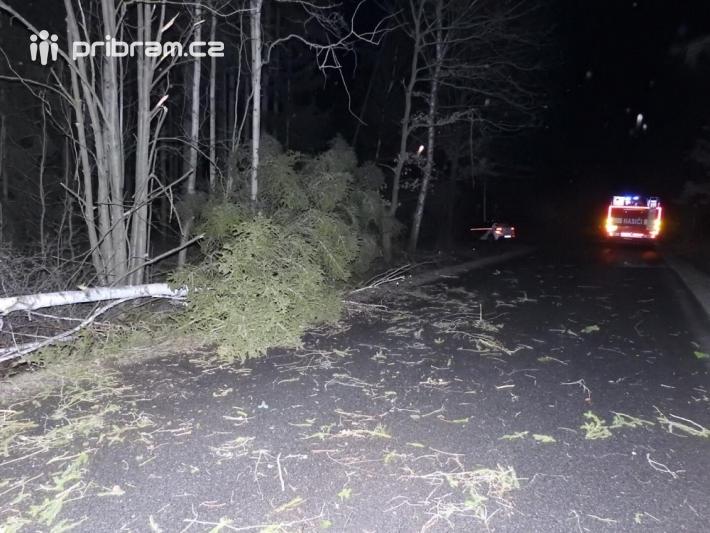 Zásah hasičů u Jelenců.
