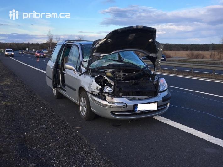 Srážka osobního vozidla značky Citroen s …