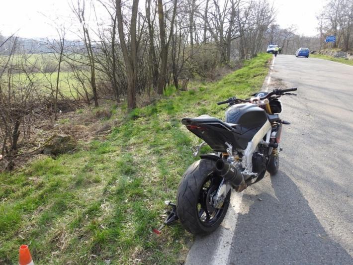 Nedělní vyjížďka skončila pro motocyklistu …