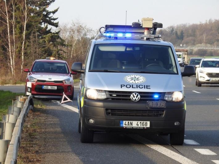 Na 18 kilometru dálnice D4 došlo k nehodě dvou …