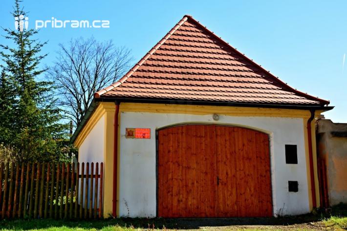 Obec Drahenice leží na jižním okraji …