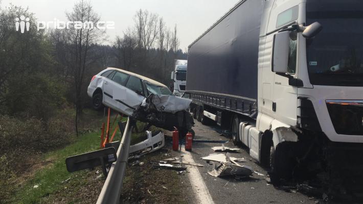 K vážné dopravní nehodě na silnici I/4 povolal …