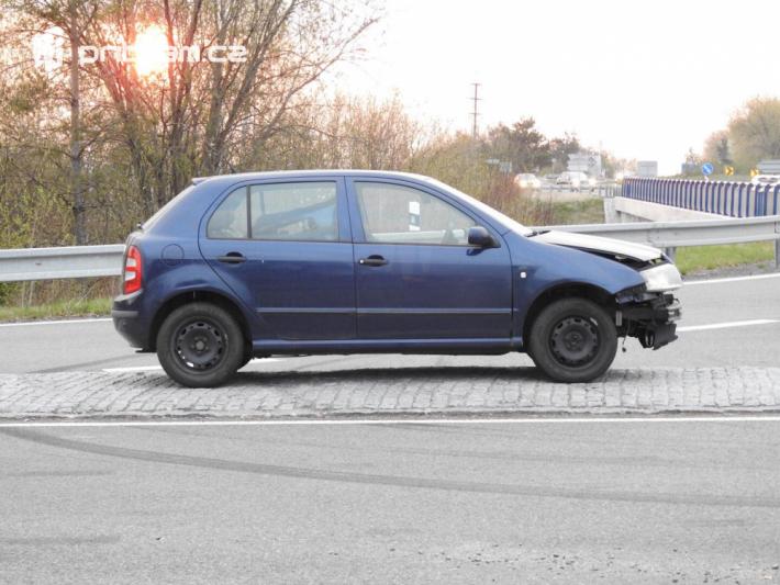 Srážka dvou vozidel momentálně komplikuje …