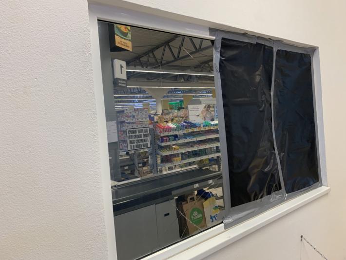 Na zaměstnance hypermarketu Albert čekal v …