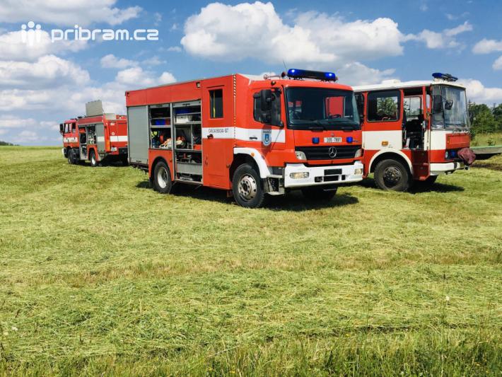 Profesionální hasiči z Příbrami, za asistence …