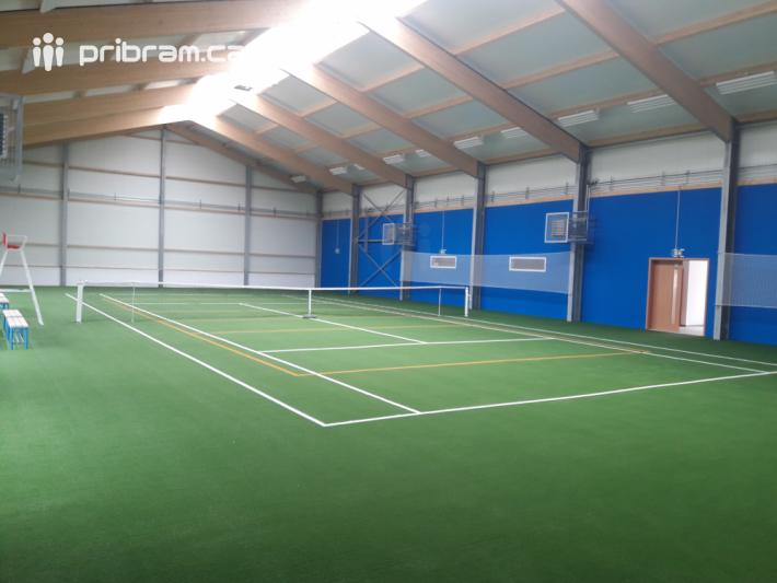 O stavbě nové sportovní haly se v Petrovicích …