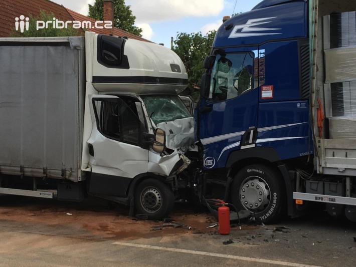 K vážné dopravní nehodě vyjižděly záchranné …