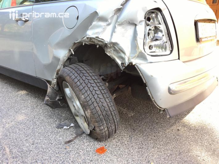Dopravní nehodu dvou vozidel momentálně šetří …