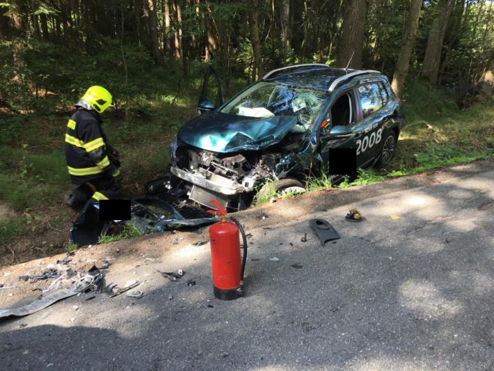 U vážné dopravní nehody zasahují záchranné …