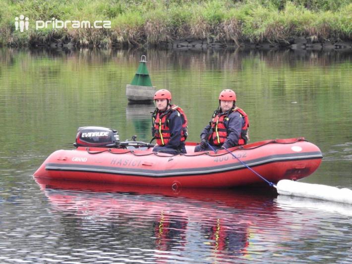 K úniku ropné látky do vody povolal operační …
