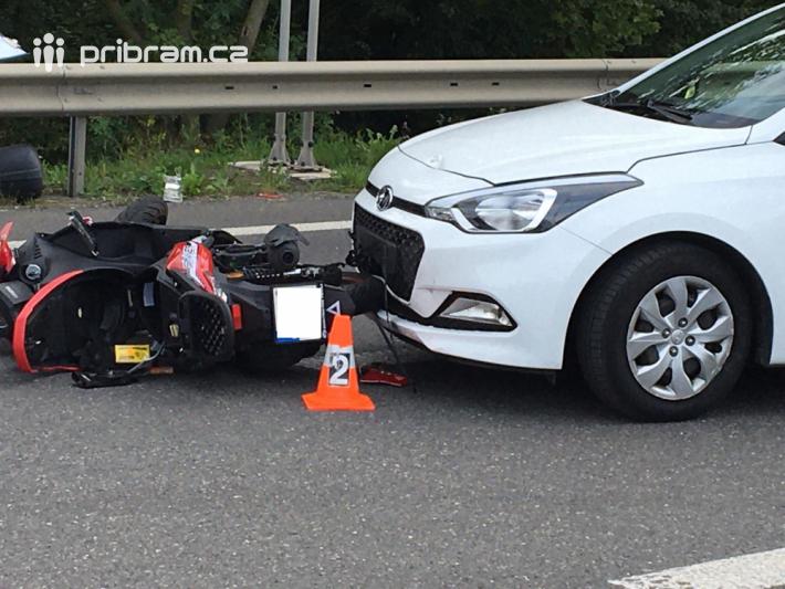 Dopravní nehoda značně komplikuje provoz na …