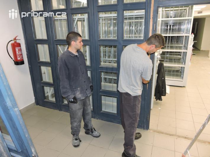 Odsouzení muži z Věznice Příbram se podíleli …