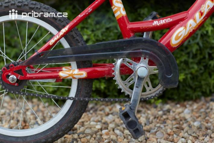 Mezi nepovinnou výbavu cyklistického kola …