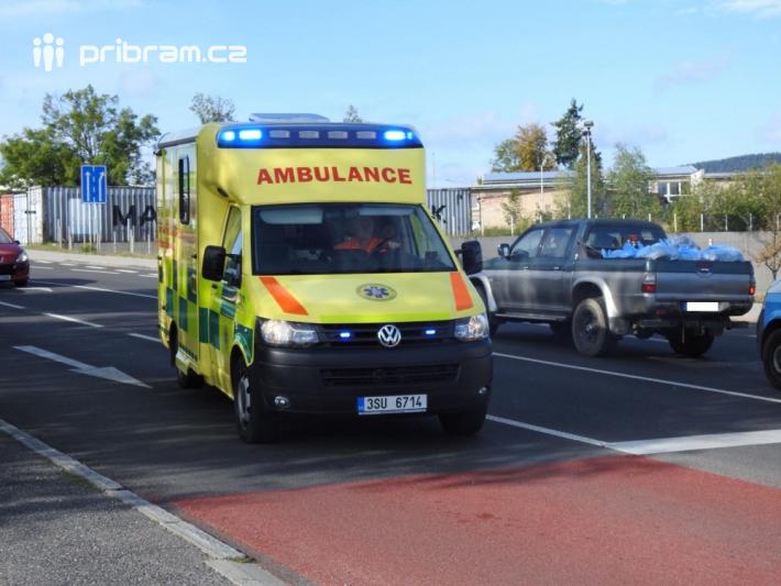 Dopravní policisté šetří nehodu v Husově ulici …