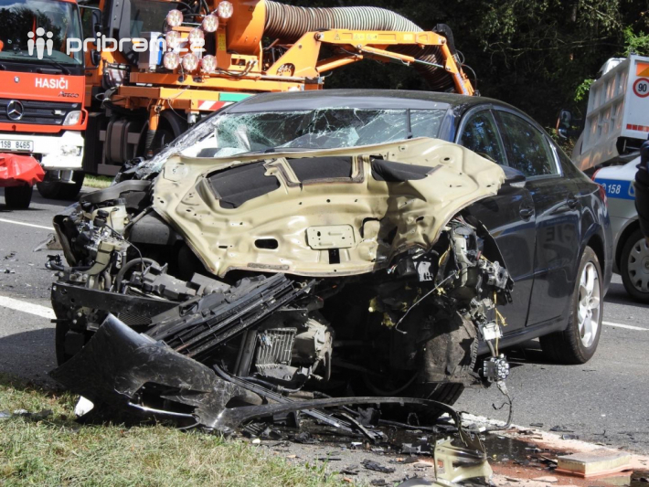 Dopravní omezení způsobila nehoda dvou …