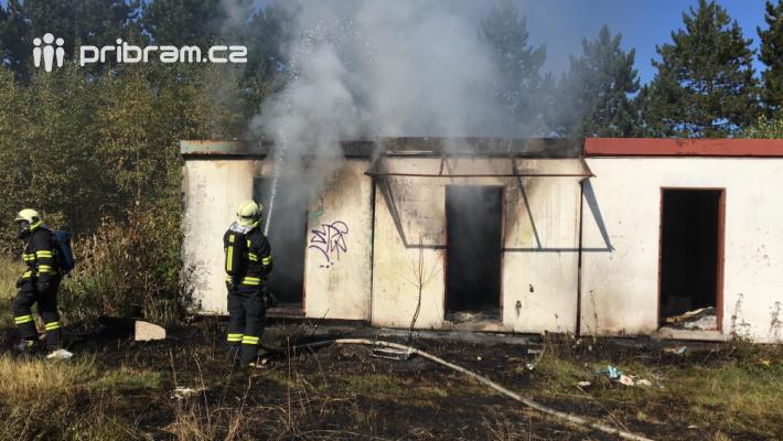 Profesionální hasiči vyjížděli dnes po 13. …