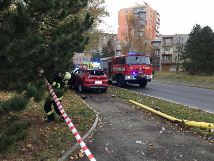 Policisté prošetřují dopravní nehodu, která se …