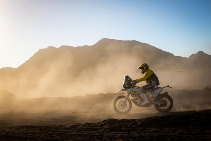 Závodníci Dakaru mají za sebou prvních šest …