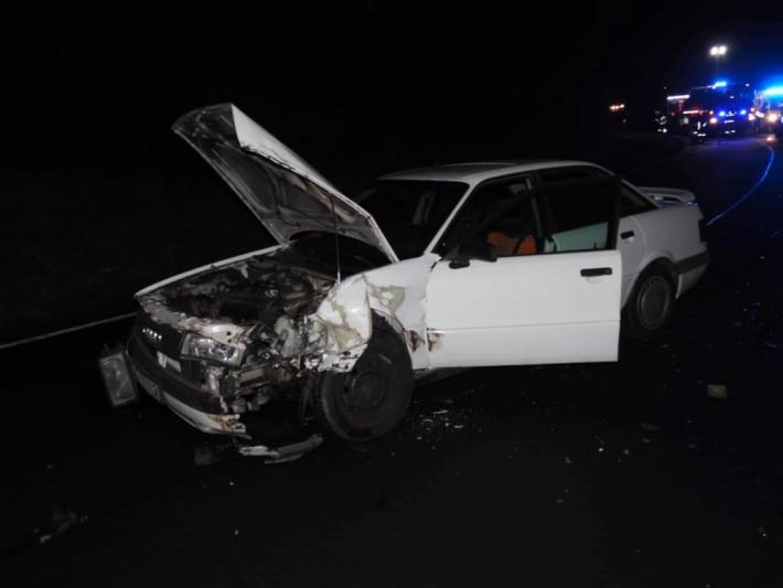 Dopravní nehoda dvou osobních vozidel uzavřela …