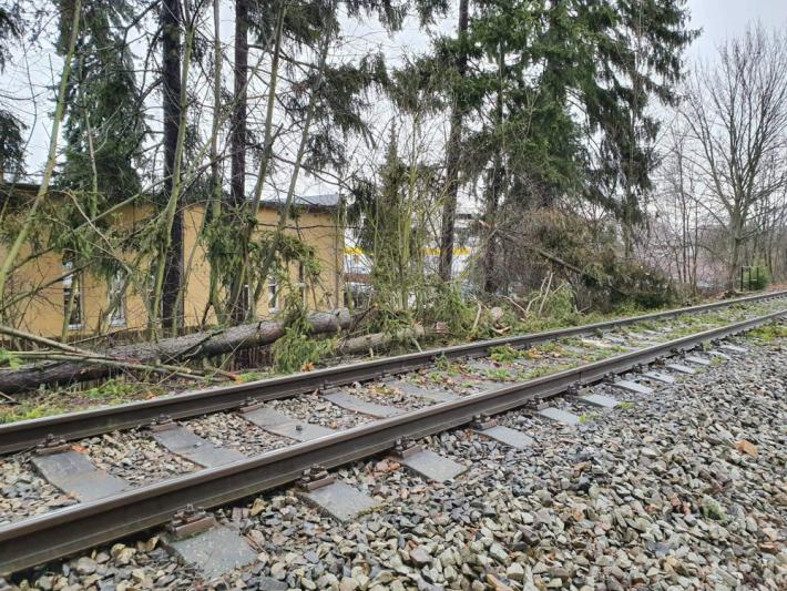 Provoz na trati mezi Příbramí a Milínem omezil …