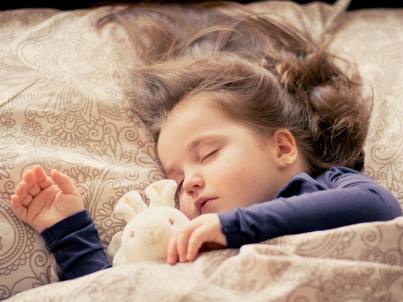 Stárněte pomaleji díky zdravému spánku.  Zde …