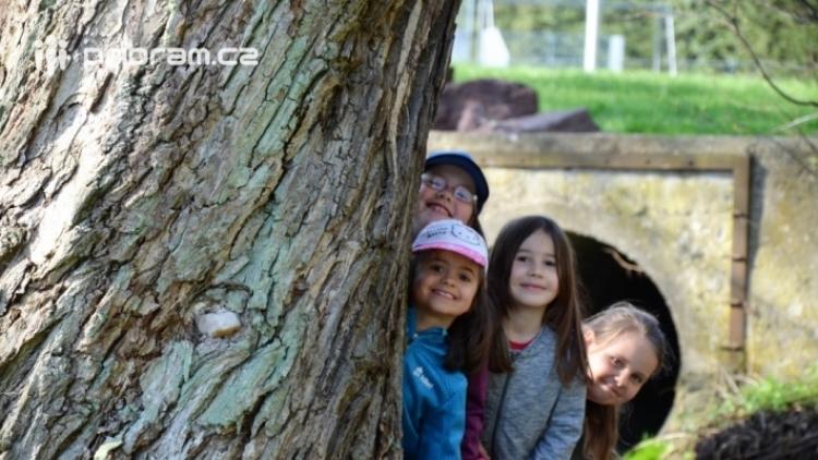 Školy a školky vyrážejí do přírody, zastihli jsme prvňáčky ze Základní školy 28. října