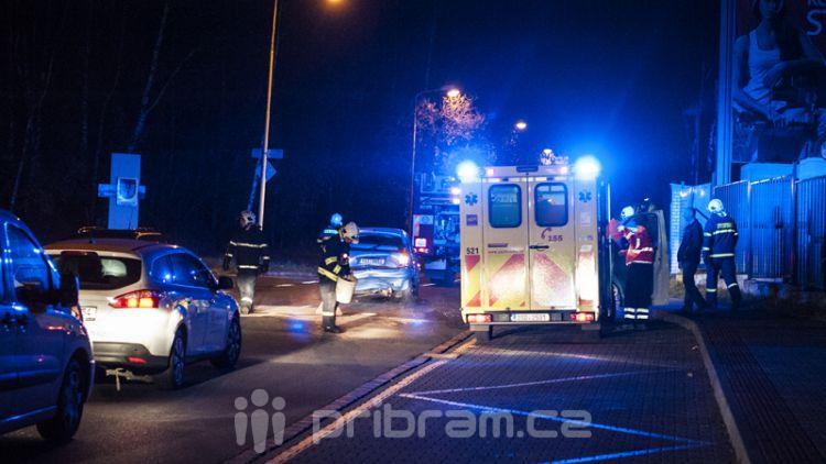 V Husově ulici došlo včera večer k dopravní nehodě