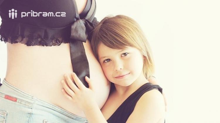 Začíná světový týden respektu k porodu