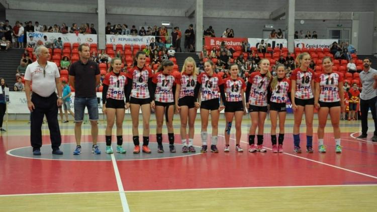 Pohár ministra školství ve volejbalu vybojovaly dívky ze Základní školy pod Svatou Horou