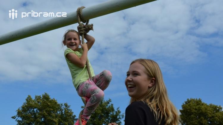 Policiáda v Dobříši prověřila dovednosti a znalosti dětí z 1. až 3. ročníků základních škol