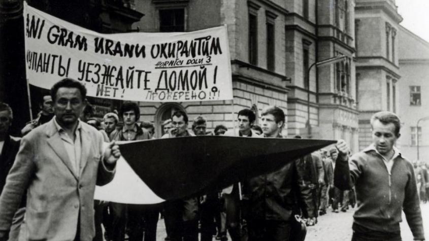 Ani gram uranu sovětským okupantům, zaznělo Příbramí před třiapadesáti lety