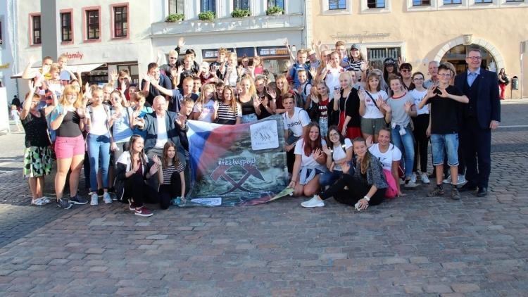 Čyřicet žáků ze ZŠ Školní navazovalo nová přátelství a trénovalo konverzaci v cizím jazyce
