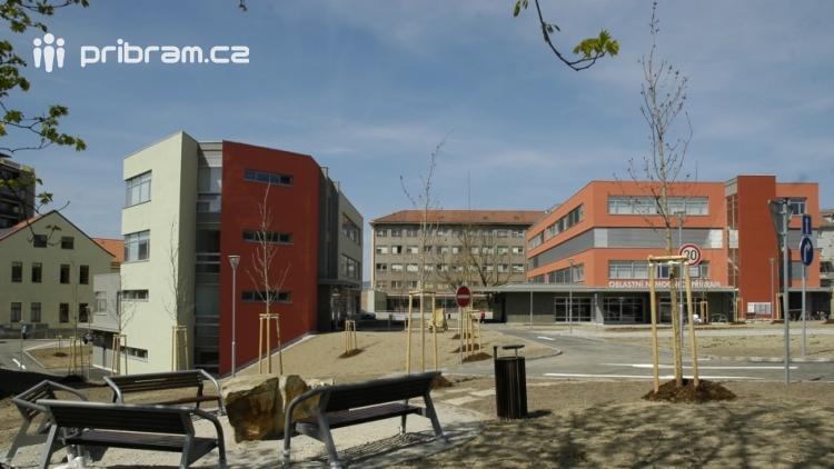 Kraj přidá nemocnicím 76 milionů na investice, 12 milionů poputuje do Příbrami