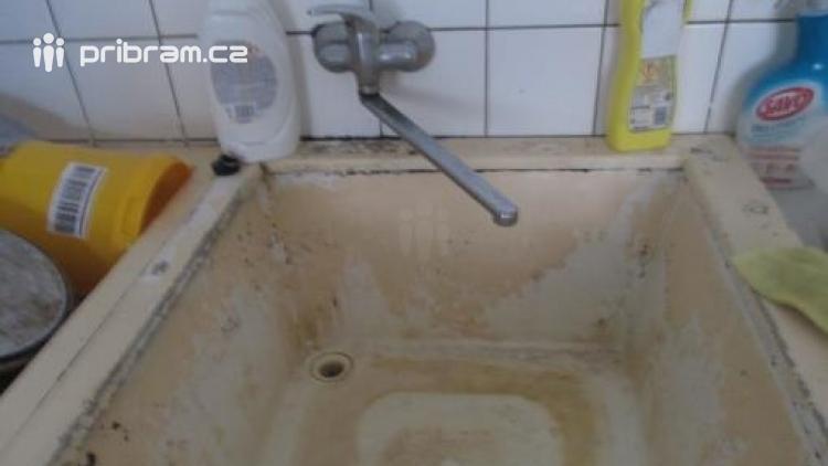 Hygiena byla značně nespokojena s Restaurací u Jezírka