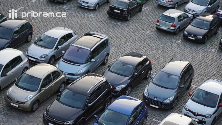 Chcete svoje parkovací místo? Za 1500 Kč na měsíc může být vaše