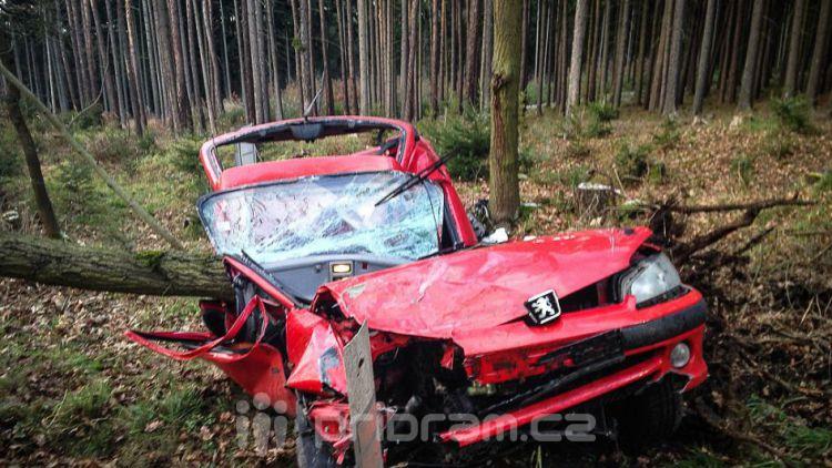 Vánoční tragédie: 26. prosince zemřel u Tochovic mladý řidič