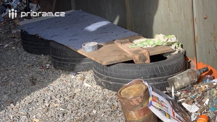 Situace kolem garáží u Březnické ulice je daleko složitější