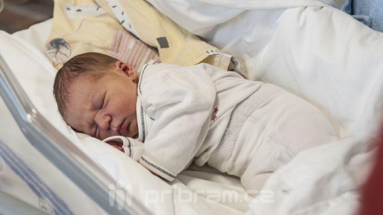 Prvním letošním miminkem je Jaroslav Sobotka